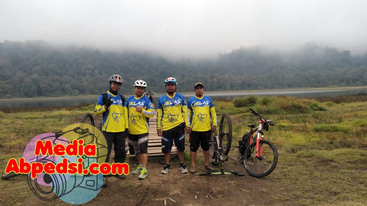 KABAR PROBOLINGGO : Komunitas JELASCC Jajal Ekstrimnya Trek Taman Hidup