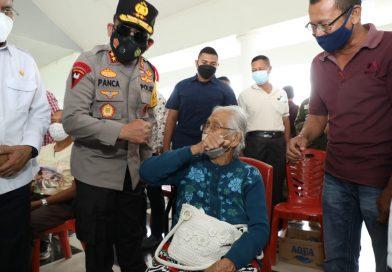 Kapolda Sumut Pastikan Vaksinasi di Kabupaten Toba