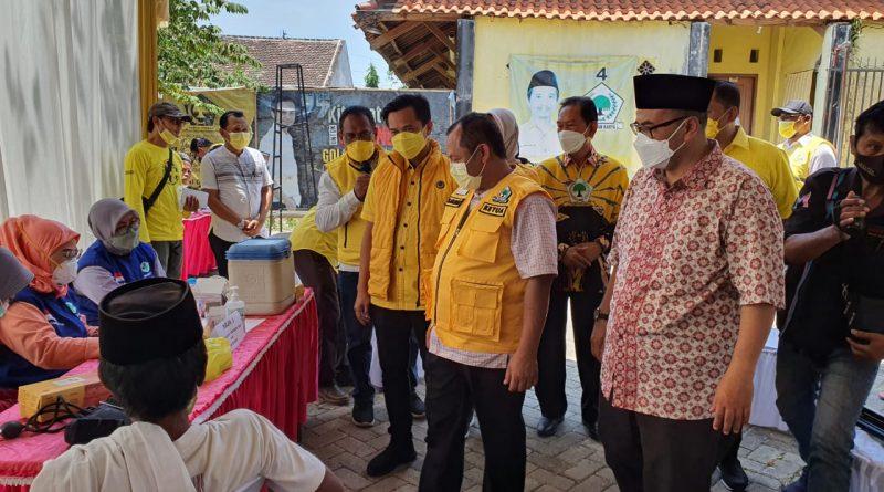 Pemburu Vaksin, Serbu Vaksinasi Massal di Kantor Golkar Kabupaten Probolinggo