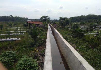 "Ada Apa Pembangunan Drainase Yang Menelan Anggaran 1,3 Milyar Abaikan Papan Plang "" STL Ulu Trawas """
